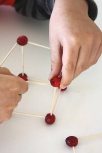 cranberry-structures-thanksgiving-fine-motor-skills-660x990